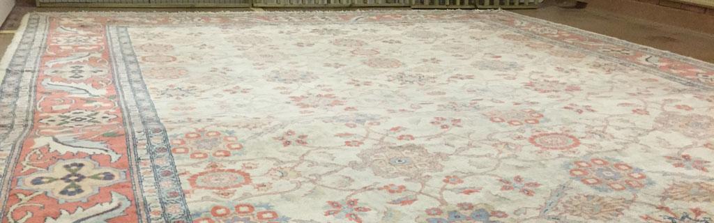 Stor matta på golvet